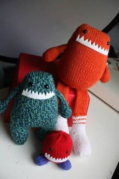 Knitted monsters .... My poor future offspring...