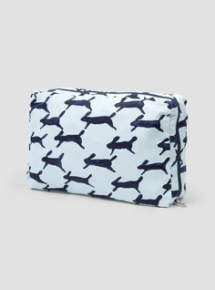 Discover the latest collection from Mina Perhonen at Couverture & the Garbstore. Shop the Traveler's Pouch M online now. Christmas Gift Guide, Christmas Gifts, Best Gifts, Pouch, Blue, Travel, Xmas Gifts, Christmas Presents, Viajes
