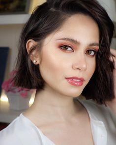 Jessy Mendiola : PrettyGirls Pretty Girls, Makeup Tips, Short Hair Styles, Hair Beauty, Actresses, Lady, Eyeshadow Tutorials, Philippines, Oc