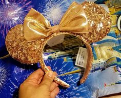 Giveaway: Rose Gold Mickey Mouse Ears from Disneyland