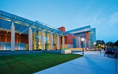 12. Stephen M. Ross School of Business (University of Michigan) GÇô Ann Arbor, Michigan