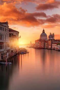 Quiet Morning in Italy by guerel sahin