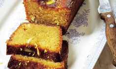 Davina's Sugar-free in a Hurry: Lemon drizzle cake