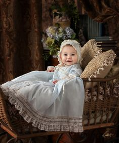 Cute Baby Girl, Mom And Baby, Baby Love, Baby Baptism, Girl Christening, Newborn Pictures, Baby Pictures, Beautiful Children, Beautiful Babies