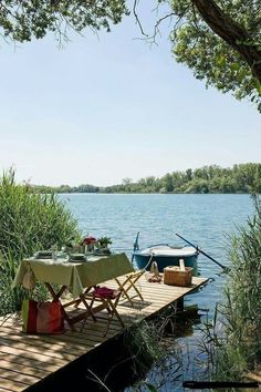 Picknick at the lake Outdoor Dining, Outdoor Spaces, Outdoor Life, Haus Am See, Lakeside Living, Le Havre, Exterior, Lake Life, Country Life