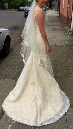 Monroe Amy Kuschel Fit and Flare Lace Ivory Open back Vintage style Hand sewn Veil sample Never-worn