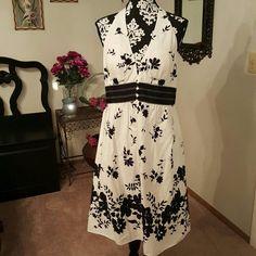 NWT WHBM ❤  Black & white halter dress Brand new with tag, White House Black Market, black and white floral halter dress.  Back zipper, inside lining & padded bra. 100% cotton. White House Black Market Dresses Strapless