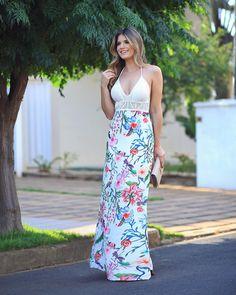 {Summer @fatobasico ♥️} Vestido longo com mistura de floral com crochê