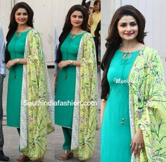 Prachi Desai in a Simple Salwar Kameez – At a recent event Prachi Desai was seen in a simple sea blue salwar kameez teamed with a contrast yellow floral printed dupatta. She looked lovely! Salwar Designs, Kurti Designs Party Wear, Indian Dresses, Indian Outfits, Prachi Desai, Indian Designer Suits, Desi Clothes, India Fashion, Women's Fashion