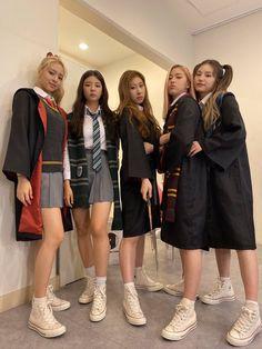 Kpop Girl Groups, Kpop Girls, Halloween Outfits, Halloween Costumes, Korean Girl, Asian Girl, Mode Harry Potter, My Girl, Cool Girl