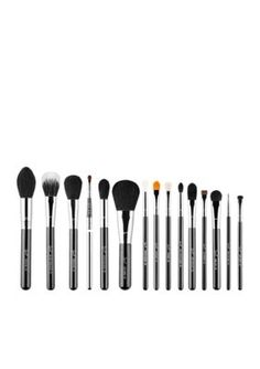 Shop Sigma's makeup brush sets to find a brush combination perfect for your makeup routine. From eye brush sets to face brush sets, Sigma has you covered! Sigma Brushes Set, Sigma Makeup Brushes, Mac Brushes, Drugstore Makeup, Concealer Brush, Lip Brush, Makeup Brush Set, Highlighter Brush, Makeup Tricks