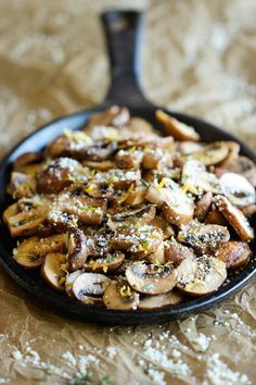 Baked Parmesan Mushrooms - Damn Delicious