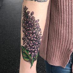 Lilac tattoo Purple Flower Tattoos, Lilac Tattoo, Flower Tattoo On Side, Flower Tattoo Shoulder, Sunflower Tattoos, Music Tattoos, Body Art Tattoos, Tribal Tattoos, Sleeve Tattoos