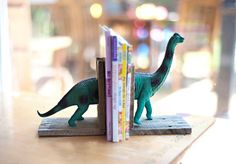 Pair Reclaimed Wood Pallet Wood Dinosaur Bookends Nursery Child's Room Rustic Cottage Vintage