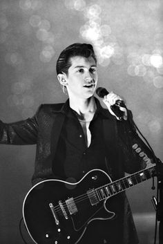 Alex Turner, holy shit this man is perfection Alex Turner, Arctic Monkeys Wallpaper, Monkey Wallpaper, Sheffield, Monkey 3, The Last Shadow Puppets, Indie, Black And White Wallpaper, Music Is Life