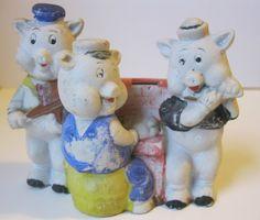 Disney Three Little Pigs Bisque Toothbrush Holder 1930 Japan. , via Etsy. Disney Toys, Walt Disney, Classic Fairy Tales, Antique Pottery, Three Little Pigs, Film Base, Vintage Disney, Smurfs, Mickey Mouse