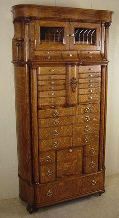 Lexington Victorian Sampler Collection Door Chest 391 307
