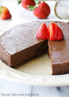 This Flourless Chocolate Cake is a dense and creamy gluten-free treat. You won't miss the flour in this chocolate cake at all, I promise. Gluten Free Deserts, Gluten Free Treats, Gluten Free Cakes, Foods With Gluten, Just Desserts, Delicious Desserts, Yummy Food, Flourless Chocolate Cakes, Chocolate Recipes