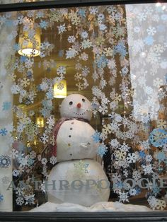 5 Cheap Holiday Window Display Ideas That Will Fill Your Small Store's Budget … – Expolore the best and the special ideas about Store window displays Christmas Windows, Christmas Shop Window, Christmas Candle, Snowman Christmas Decorations, Holiday Decor, Xmas Window Decorations, Christmas Snowman, Holiday Ideas, Winter Window Display