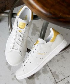 adidas Originals Stan Smith 999 24k Best Sneakers, Adidas Sneakers, Stan Smith Outfit, Men's Shoes, Nike Shoes, Original Stan Smith, White Shirt Men, Adidas Originals, Adidas Stan Smith