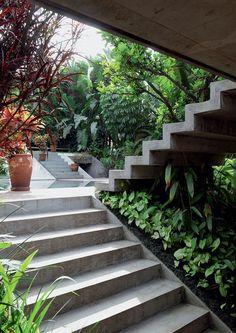 modern garden stairs