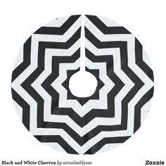 Black and White Chevron Brushed Polyester Tree Skirt