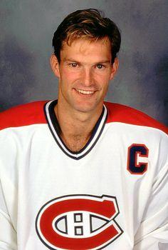 Kirk Muller (C) : Après une brillante carrière junior, Muller a été repêché tout juste après Mario Lemieux en 1984, au 2e rang de la première ronde par les Devils du New Jersey. Passeur doué et excellent fabricant de jeu, il est rapidement devenu un des favoris des partisans des Canadiens à son arrivée à Montréal en 1991. Au cœur de la conquête de la coupe Stanley en 1993, il a hérité du surnom de «Captain Kirk» en 1994 après avoir reçu le «C» sur son chandail suite au départ de Guy…