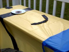 Minion Tablecloth Tutorial – Despicable Me Party - Minions Birthday Theme, 10th Birthday Parties, Birthday Fun, Birthday Ideas, Despicable Me Party, Minion Party, I Party, Party Ideas, Aaliyah