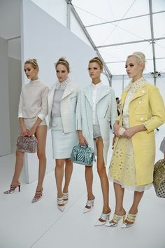 Louis Vuitton Spring 2012 Ready-to-Wear - Beauty - Gallery - Look 36 - Style.com ✿ ✿