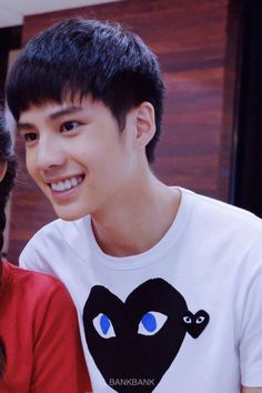 banking thiti his perfect smile. Bank Thiti, Perfect Smile, Ulzzang Boy, Actor Model, Handsome Boys, Cute Guys, My Eyes, Thailand, Actors