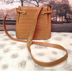 Bally-Tan-Croc-Leather-Cross-Body-Messenger-Bucket-Bag-Shoulderbag-Handbag-Purse