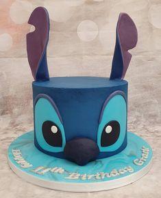 Lilo And Stitch Cake, Lilo Et Stitch, 13 Birthday Cake, 11th Birthday, Disney Cakes Easy, Realistic Cakes, Cute Stitch, Easy Cake Decorating, Fondant Cakes