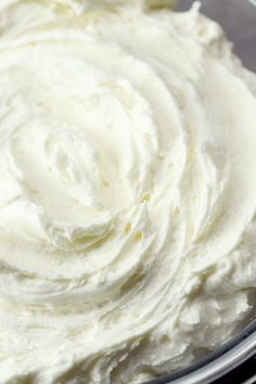 Whipped Buttercream Frosting is light, fluffy, and perfectly sweetened. This whipped version of buttercream is perfect for cakes, cupcakes, cookies & more. Whipped Icing Recipes, Whipped Buttercream Frosting, Almond Frosting, Vanilla Frosting Recipes, Homemade Frosting, Cookie Frosting, Fluffy Frosting Recipes, Fluffy White Frosting, White Frosting Cake