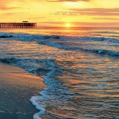 Captured moments in Myrtle Beach, South Carolina via Instagram By @xxannie1011xx (Click on the pin get your hotel deal and capture you very own amazing beach sunrise!)