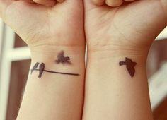 Tatuagens de Andorinhas Pássaros Voando (70 Fotos)