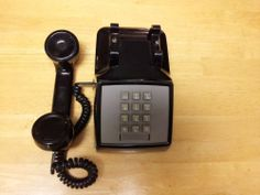 Vintage Black AT&T  Touch Tone Telephone 2500D In Excellent Condition