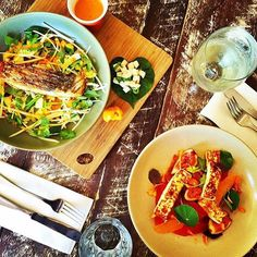 Yum! Lunchtime perfection at the Noosa Boathouse! The Noosa Boathouse is one of Noosaville's many restaurants, offering incredible dining and views over the Noosa River from their 3-level floating building!