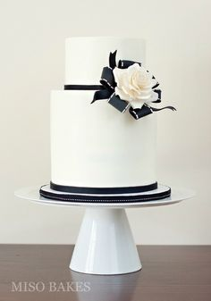 Black And White Wedding Cakes Ideas ★ black and white wedding cakes small white cake misobakes Black White Cakes, Black And White Wedding Cake, White Wedding Cakes, Cool Wedding Cakes, Beautiful Wedding Cakes, Wedding Cake Designs, Gorgeous Cakes, Pretty Cakes, Fondant Wedding Cakes