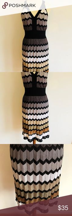 "Laundry by Shelli Segal Dress Glam it up with this dress🤗 L 37"" laid flat Armpit to armpit 15"" laid flat W 13"" laid flat In excellent condition Comes with its own slip Laundry By Shelli Segal Dresses"