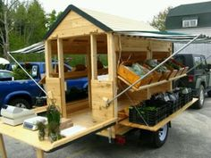 LOVE this little mobile vegetable stand! If I ever grow a garden big enough to sell some of it's produce this seems like a pretty ideal set up! (Copyright Four Season Farm) (modify for a craft stand) The Farm, Small Farm, Mini Farm, Farmers Market Display, Market Displays, Jardin Decor, Vegetable Stand, Gazebos, Produce Stand