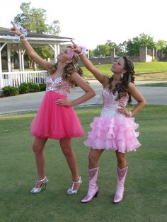 This is how country girls dress for prom<3 I NEED A DIFFERENT COLOR!!!!!!!!!!!!!!!!!!!! OMG I wear ma cowboy boots 2
