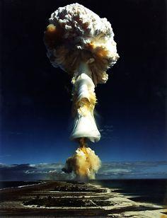 fotos de bombas atomicas - Buscar con Google