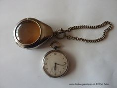 Foto verkleinen [Horloge met ketting en doosje kinzle ouderwijzerplaat .jpg - 107kB]