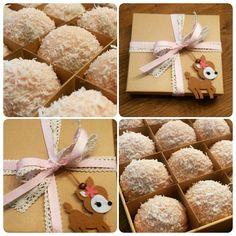 Roze Maizena Special Coco maizenakoekjes voor de geboorte van een meisje.