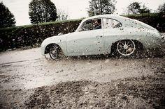 Porsche 356 tearin it up