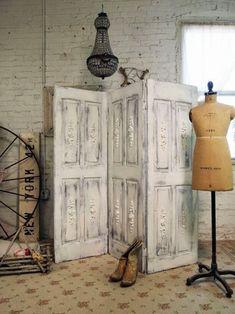 Marzua: Decorar con puertas antiguas
