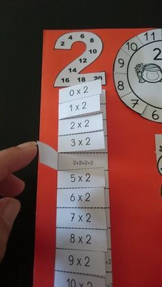 Multiplikationstabellen: Lektion zu behandeln Multiplication tables: lesson to deal with treat Math Games, Learning Activities, Kids Learning, Math Multiplication, 3rd Grade Math, Math For Kids, Math Classroom, Math Worksheets, Kids Education
