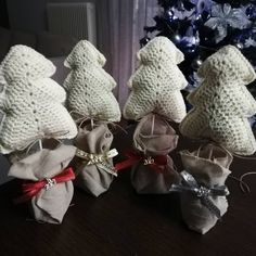 Γούρια 2019!!! 🌲🌲🌲🎅🎅🎅🤶🤶🤶#christmas #gouria2019 #2019 #handemade #plektodimiourgies #knittinglove #knittinglover #knittinglovers… Burlap Wreath, Wreaths, Knitting, Christmas, Instagram, Home Decor, Xmas, Decoration Home, Tricot