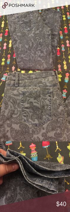 Joe's Jeans Super fun paisley pattern high water jeans were used once, and in great condition. Black gray colors, plus size skinny jeans! Inseam 27 inches, total length 37, waistline measurements through the bell hoops 37.5 inches. Joe's Jeans Jeans Skinny