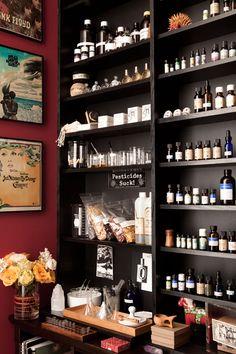 Amanda Walker of A Perfume Organic studio